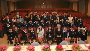 審査委員・受賞者が集合しての記念撮影  (平成27年3月26日に東京海洋大学で開催された発表・表彰式にて)