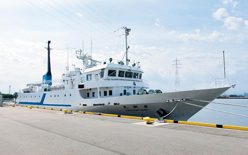 富山高専練習船「若潮丸」出航作業見学360°動画を公開しました。