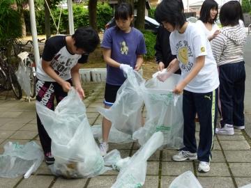 本郷キャンパス学生寮(仰岳寮)でボランティア清掃を行いました