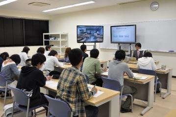 本年度の長岡技術科学大学 アドバンスドコース 協働科目Ⅰ「英語プレゼン」が始まりました