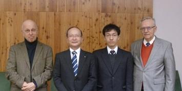 パズマニー大学にて(平成27年1月訪問)  (左からPéter Szolgay学部長、石原外美校長、多田和広准教授、Árpád Csurgay教授)