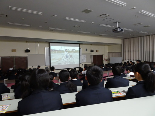 自転車交通安全講習会を開催しました。(本郷キャンパス)