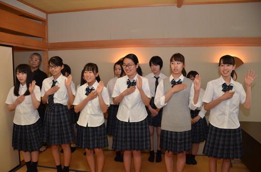 シグマソサエティ(茶道同好会)新入会員入会式・役員就任式が行われました。(射水キャンパス)
