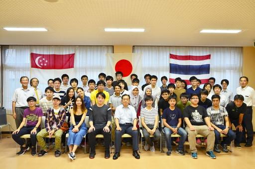 短期留学生との交流会を行いました。