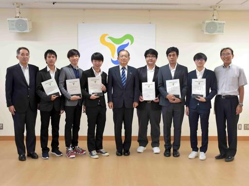 タイ・キングモンクット工科大学からの短期留学生の修了式を行いました。
