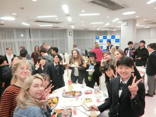 フィンランド ヴァーサ リュセオ高等学校の生徒と交流活動を実施しました。