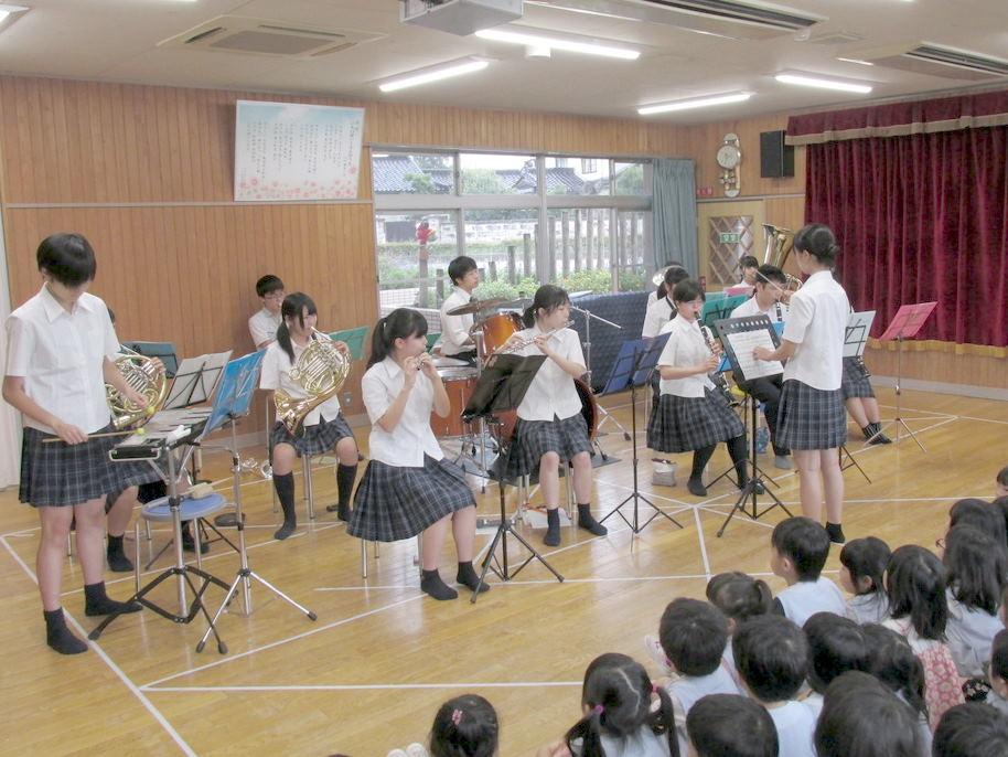 保育園でミニ演奏会を行いました。