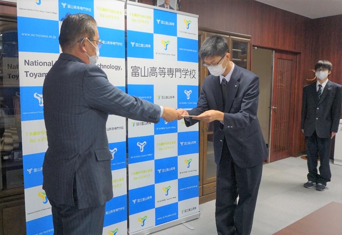 ロボットコンテスト2020東海北陸地区大会の伝達表彰式を行いました。