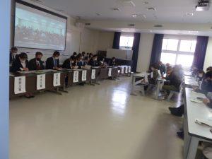 保護者による授業参観および後援会総会を行いました。