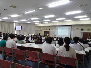 中学生を対象に学校説明会を開催しました。